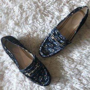 NWOT | CAbi | Floral Navy Velvet Carnaby Loafers